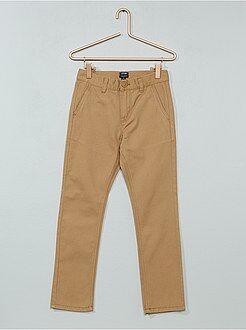 Pantalón chino de sarga
