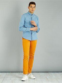 Pantalones - Pantalón chino de sarga de algodón elástica - Kiabi