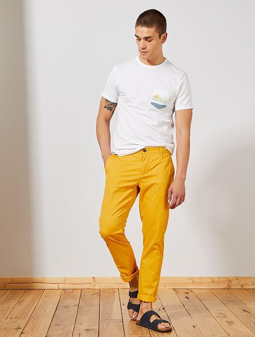 Pantalón chino de sarga de algodón elástica                                                                                                                                                                                                                                                                 AMARILLO Hombre