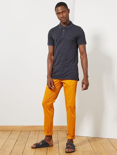 Pantalón chino de sarga de algodón elástica                                                                                                                                                                                                                                                                                                                 AMARILLO