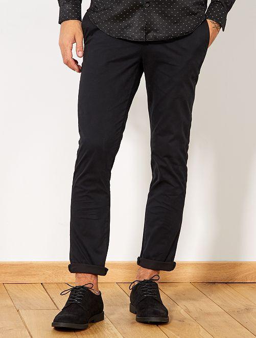 Pantalón chino de sarga de algodón elástica                                                                                                                                                                                                                                                                             negro Hombre