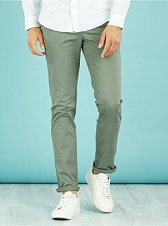 Pantalones chinos - Pantalón chino de sarga de algodón elástica