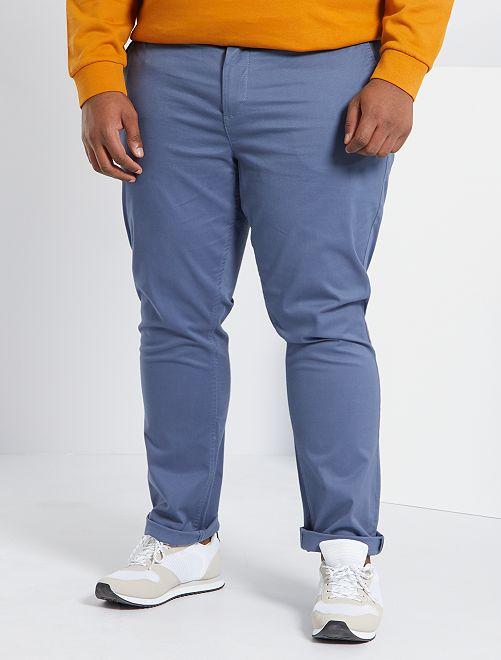 Pantalón chino de sarga elástico fitted                                                                             AZUL