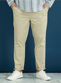 Pantalones - Pantalón chino de sarga elástico fitted - Kiabi