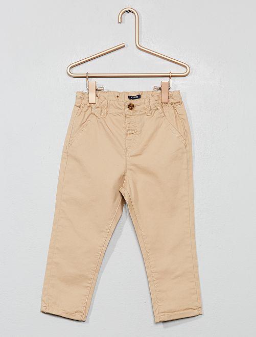 Pantalón chino de sarga ligera                                                                             BEIGE