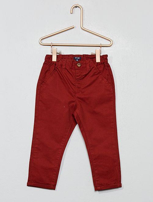 Pantalón chino de sarga ligera                                                                             MARRON