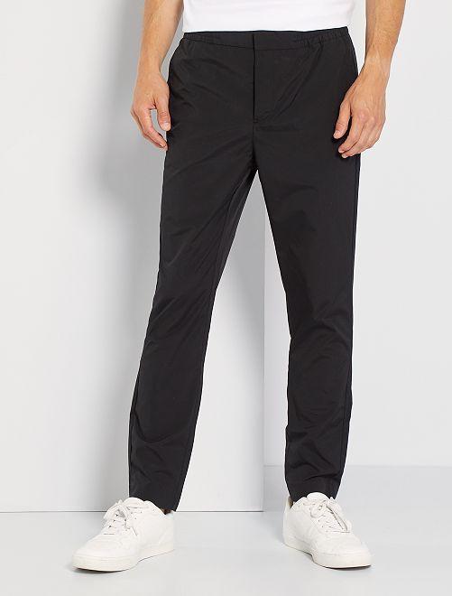 Pantalón chino estilo jogging                                         negro