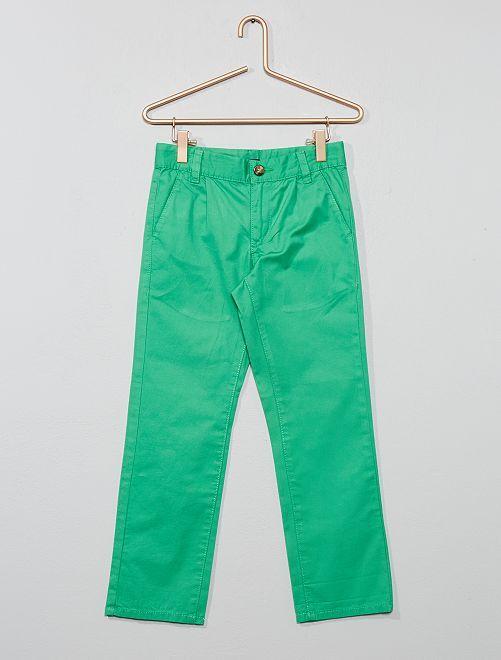 Pantalón chino liso                                                     VERDE Chico