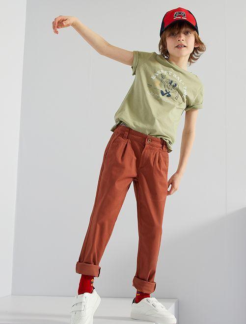Pantalón chino                             MARRON