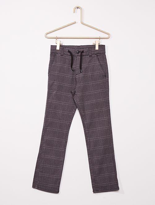 Pantalón chino regular de cuadros                                                     GRIS