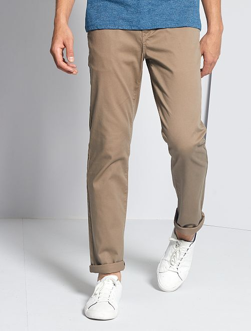 Pantalón chino regular de punto de piqué                                                                                                                                                                             gris beige