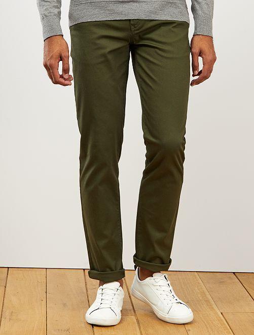 Pantalón chino regular de punto de piqué                                                                                                                                                                 verde selva