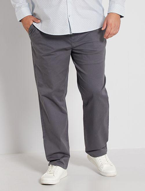 Pantalón chino regular L32                                                                                         GRIS
