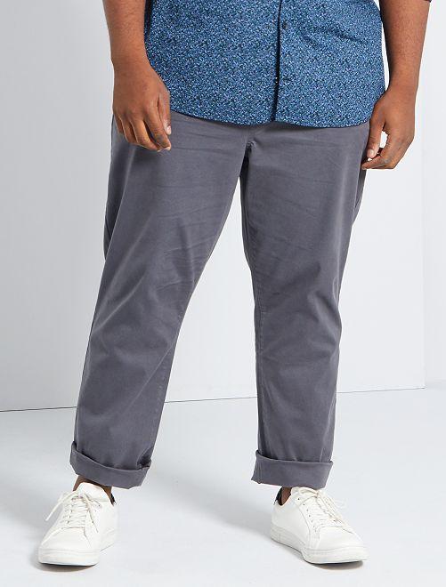 Pantalón chino regular L34                                                                                         GRIS