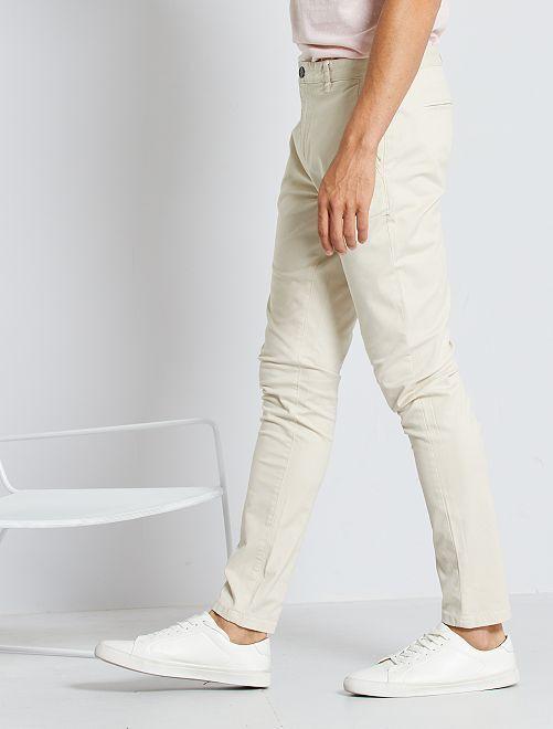 Pantalón chino skinny                                                                                                                 beige