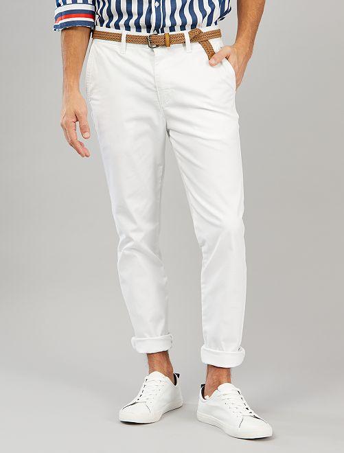 Pantalón chino skinny + cinturón                             blanco