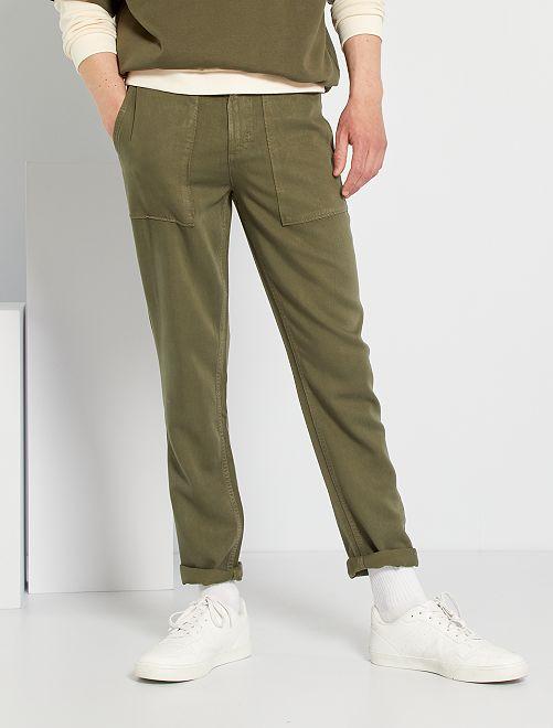 Pantalón chino skinny de lyocell                                         KAKI