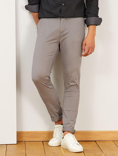 Pantalón chino skinny                                                                 GRIS