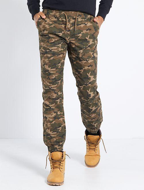 Pantalón chino slim                                                                 camuflaje
