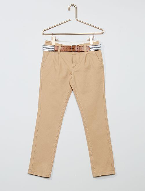 Pantalón chino slim + cinturón a rayas                                                                             BEIGE