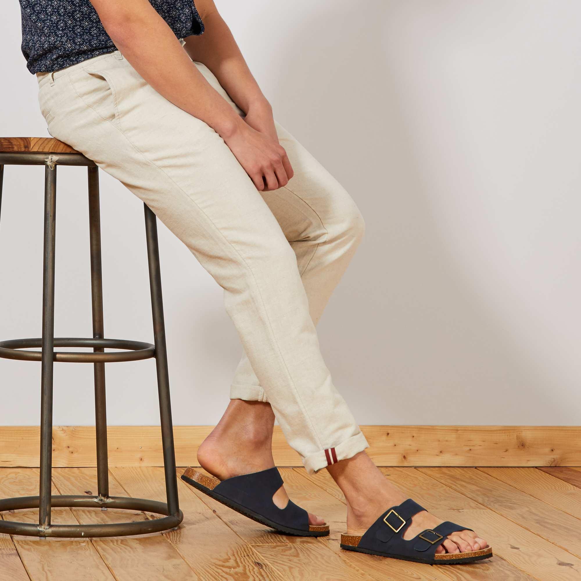 99c6e9f230 Pantalón chino slim de algodón y lino Hombre - MARRON - Kiabi - 20