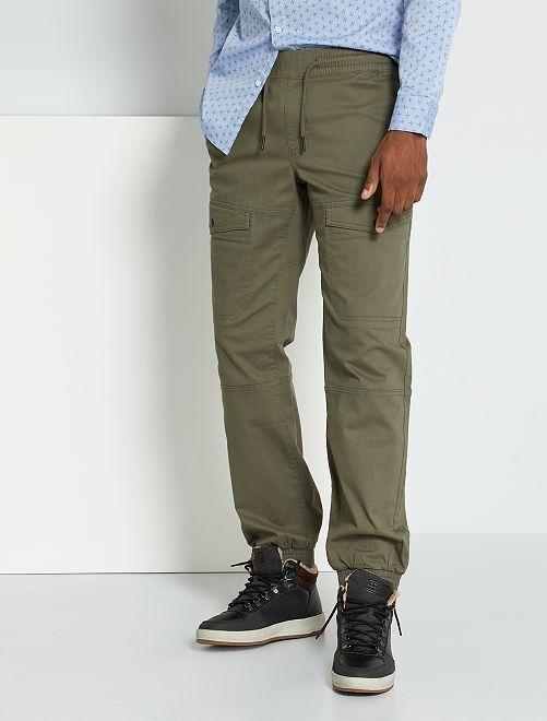 Pantalón chino slim                                                                 KAKI