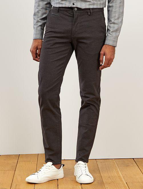 Pantalón chino slim texturizado                             GRIS