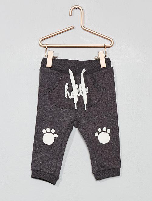 Pantalón con bolsillo estilo canguro de felpa estampado                                                                             GRIS Bebé niño