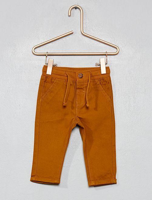 Pantalón con cordones ajustables                                                                             AMARILLO