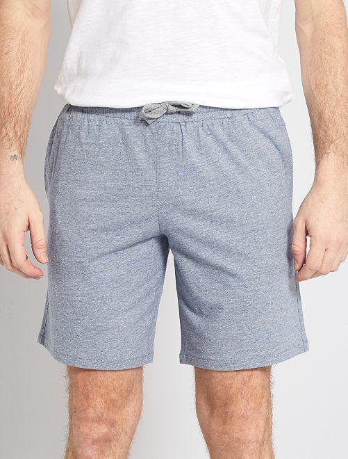 Pantalón corto de pijama con rayas pequeñas                                         a rayas azul