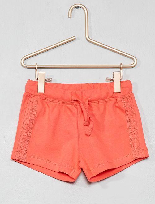Pantalón corto de punto con detalle de encaje                     coral