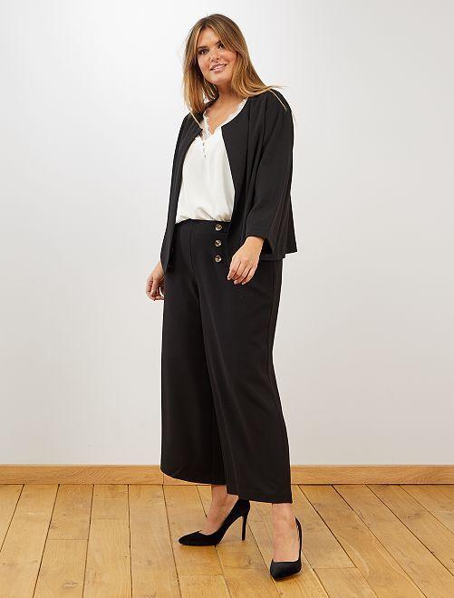 Pantalón cropped con botones                             negro