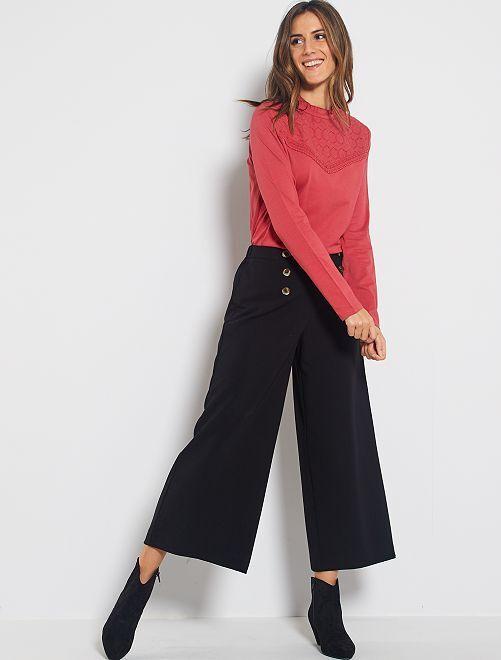 Pantalón cropped de tejido vaporoso                             negro