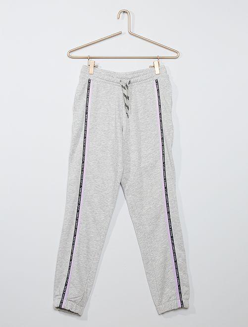 Pantalón de deporte con bandas laterales                                                     GRIS
