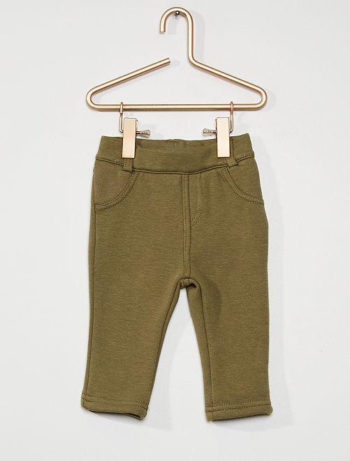 Pantalón de deporte                                                                                         verde liquen