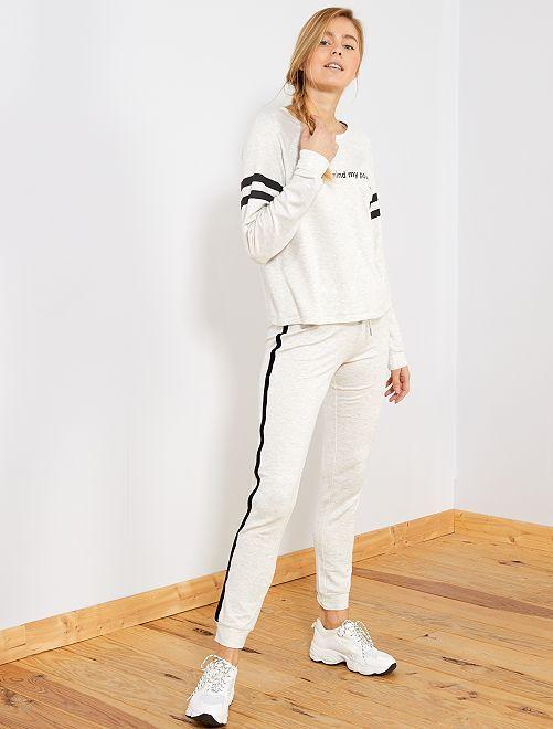 Pantalón de felpa con franjas laterales                             GRIS