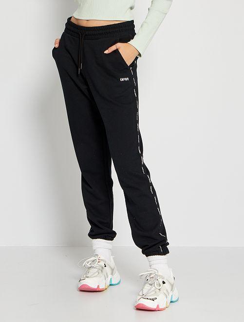 Pantalón de jogging con franja estampada                                                                                                                 negro