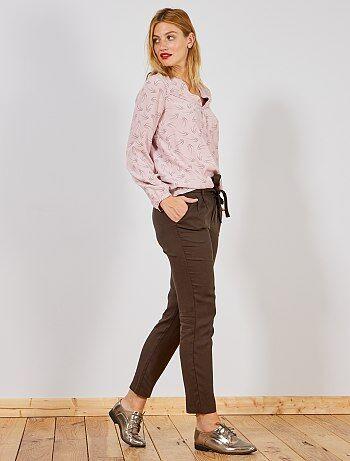 60dbb813f4 Pantalón de lyocell con pinzas - Kiabi