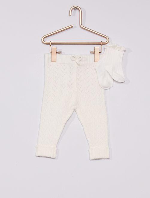 Pantalón de punto calado + calcetines                                         blanco nieve