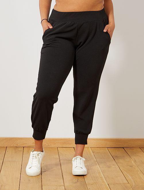 Pantalón de punto con bajo ajustado                             negro
