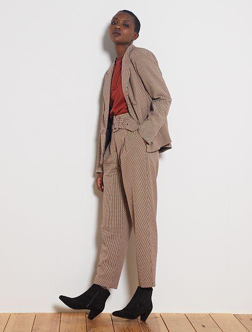 Pantalón de talle alto con cinturón                                         MARRON