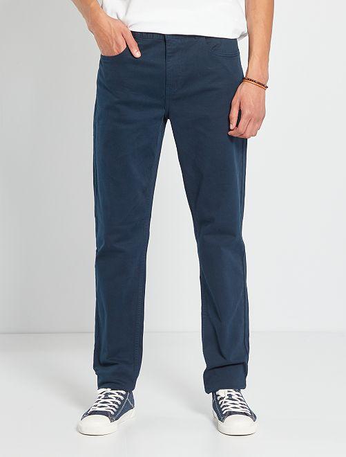 Pantalón entallado con 5 bolsillos L36 +1m90                                                                                         AZUL
