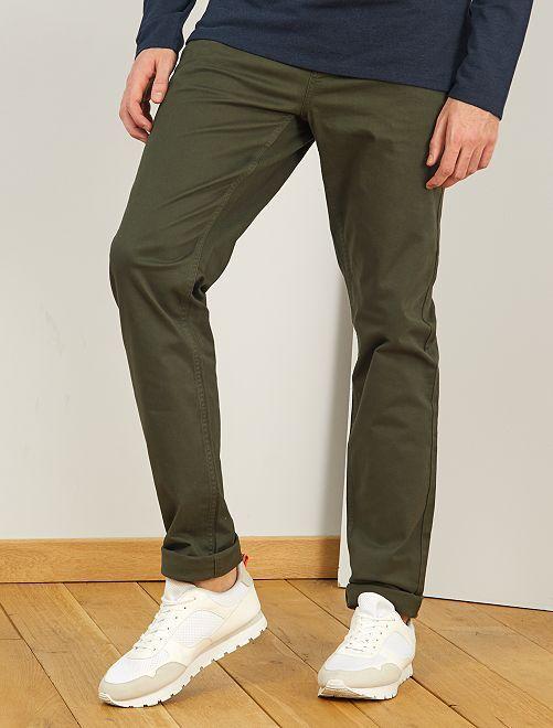 Pantalón entallado con 5 bolsillos L36 +1m90                                                                                         verde selva