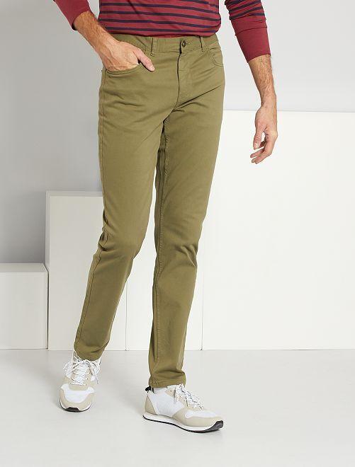 Pantalón entallado con 5 bolsillos L38 +1m90                                                                             verde liquen