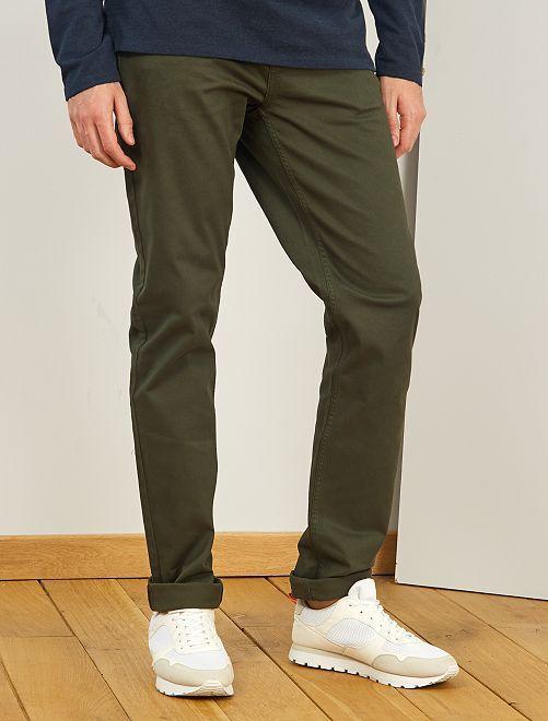 Pantalón entallado con 5 bolsillos L38 +1m90                                                                                         verde selva