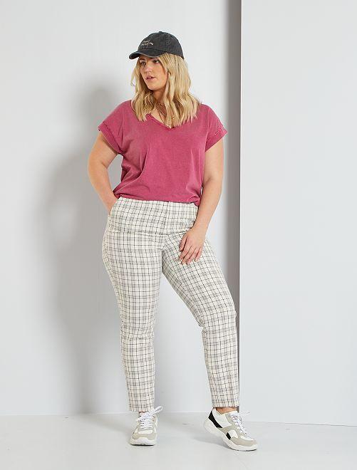 Pantalón estructurado estampado                             cuadros beige