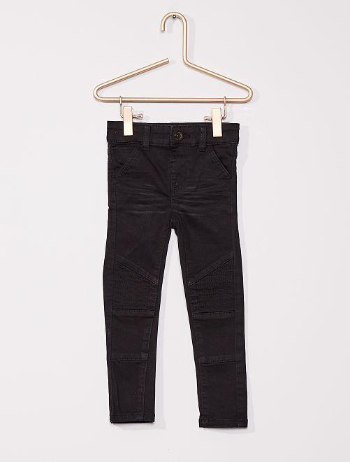 Pantalón niños delgados                                         negro