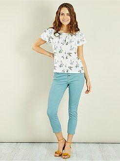 Pantalones slim - Pantalón pitillo tobillero con botones - Kiabi