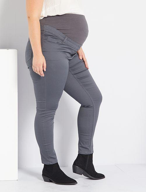 Pantalón premamá skinny elástico                                                     GRIS