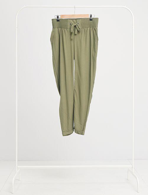 Pantalón premamá vaporoso                                                     verde oliva